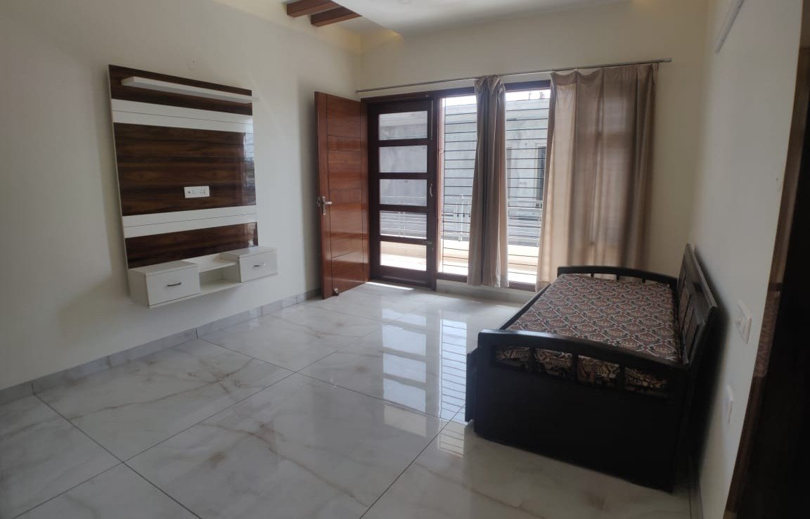 Fully Furnished Floor For Rent, Aerocity Mohali